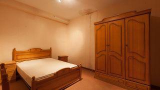 Chambre verte avec décoration musicale sans travaux avant