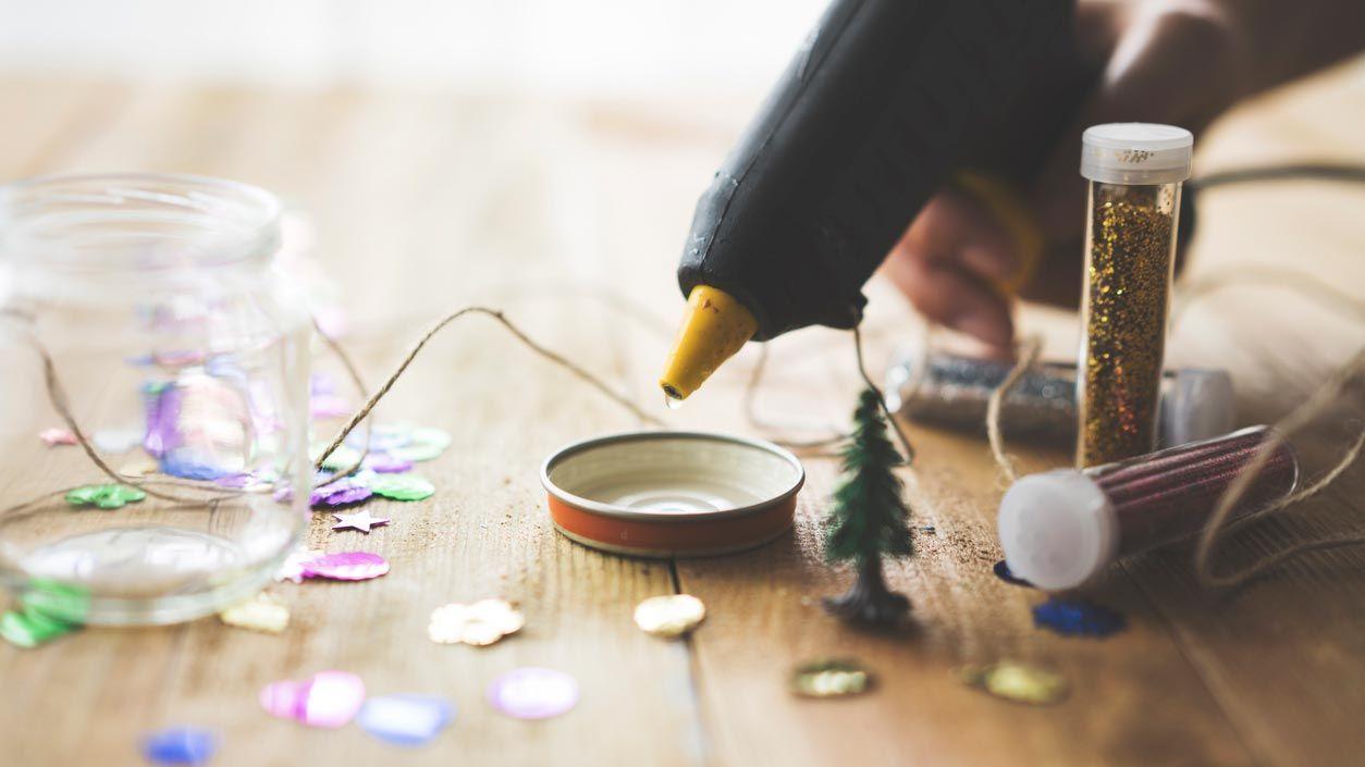 Comment faire une boule de neige de Noël maison