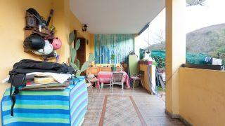 décorez un porche de jeunesse en vert - avant