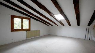 Décorer un grenier spacieux et lumineux - Avant