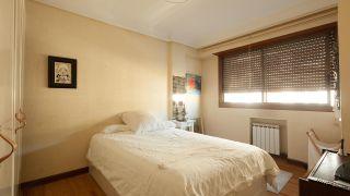Décorez une chambre élégante et romantique en gris - avant