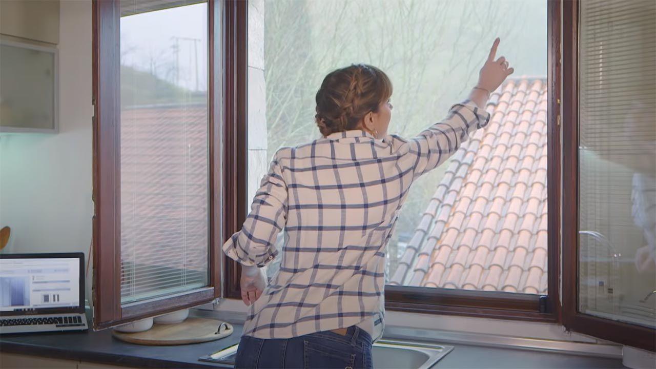 Moustiquaires sur-mesure, l'accessoire le plus pratique pour vos fenêtres!