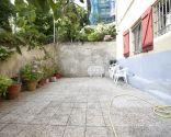 Terrasse fraîche avec saveur méditerranéenne