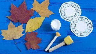 Peindre des mandalas sur des feuilles sèches (très facile) - Étape 1