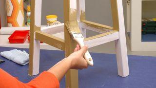 Transformez un tabouret en meuble pour la salle - Étape 1