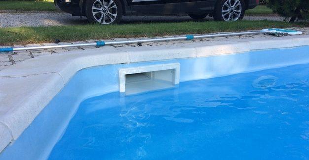 est-ce-que-le-skimmer-de-piscine-est-important